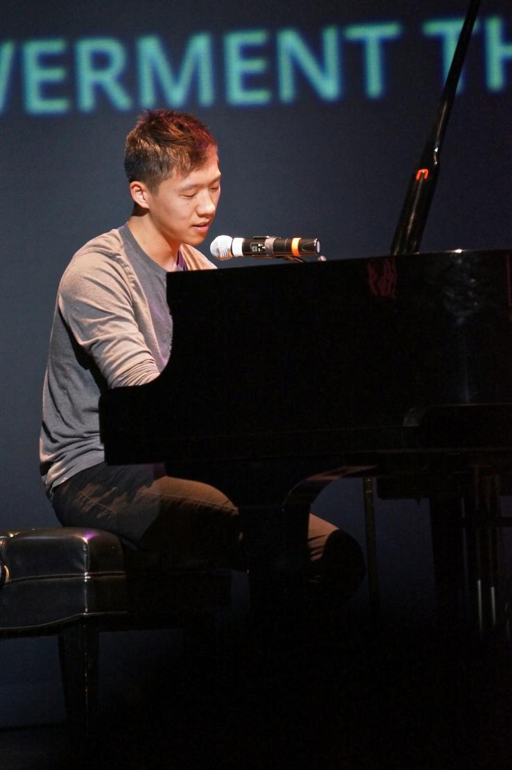 Derek Suen- Vocalist