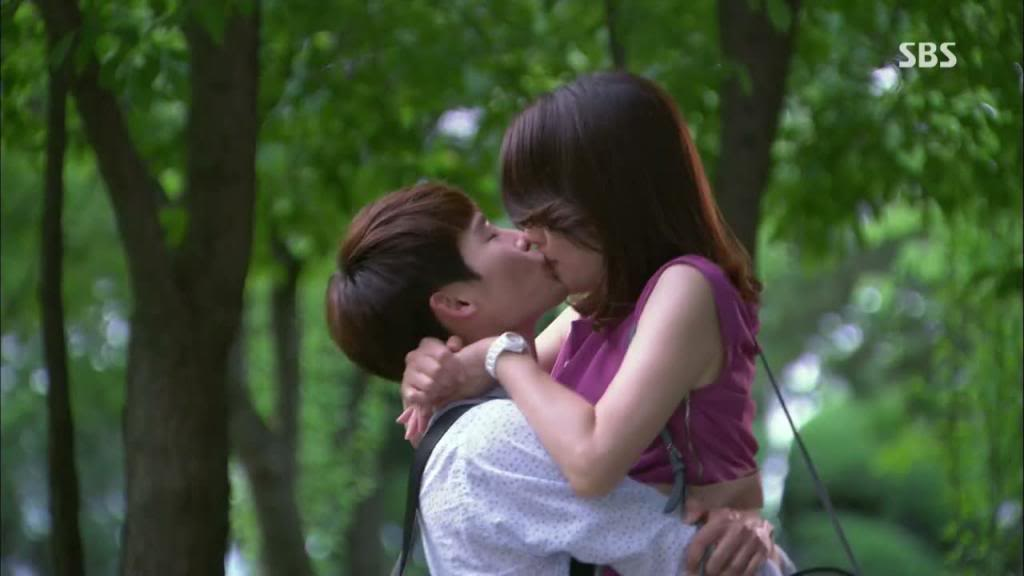 i-hear-your-voice-korean-drama-kiss-scene