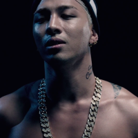 [Review] Taeyang Comes Back Strong with EYES, NOSE, LIPS MV