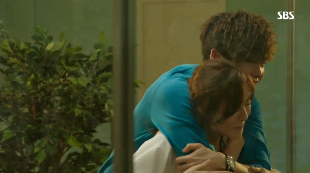 Back Hug Hoon and Soo Hyun