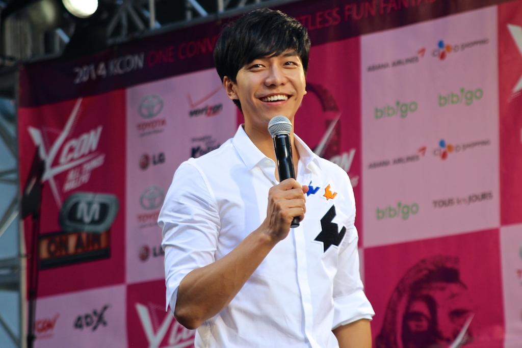 Lee Seung Gi - KCON